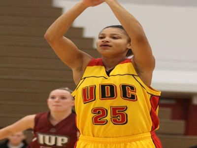 Dohnay Banice scores season-high 16 points and grabs 11 rebounds for her first double-double of the season