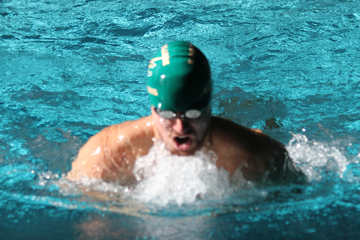 Three Elms Men's Swimmers Pick Up All-New England Recognition