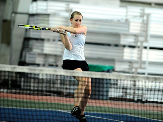 Women's tennis begins spring trip with victory over Albion
