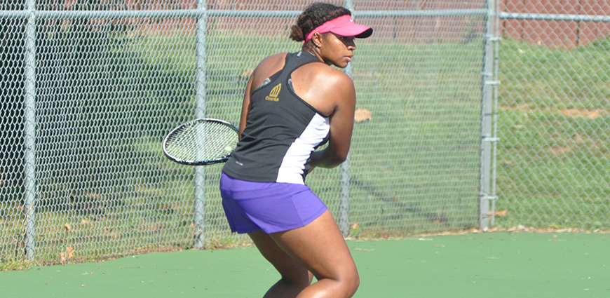 Women's Tennis Team Suffers Non-Conference Losses