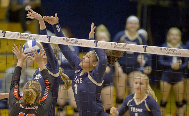 Trine Volleyball Picks Up Two More Wins at Illinois College Tournament