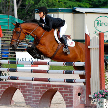 Riding Takes Second at Holiday Tournament of Champions Show