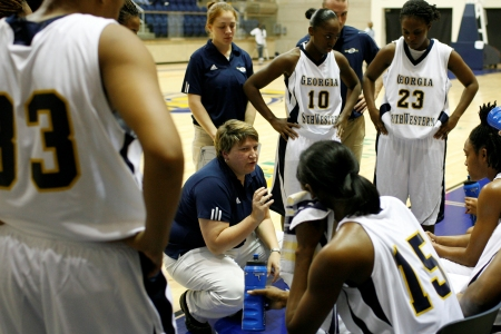 Holloway scores 27; Lady Canes lose thriller by two