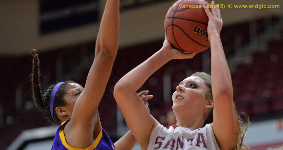 Women's Basketball Tops San Francisco State for First Win of 2013-14