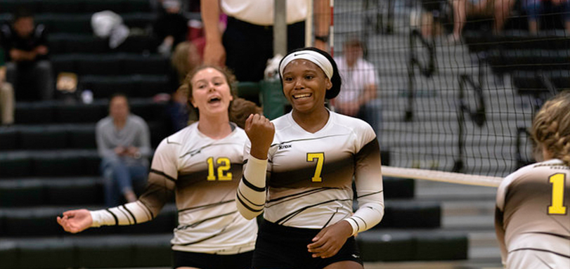 Sophomore Middle Hitter Taylor Brown at Golden Eagle Invitational