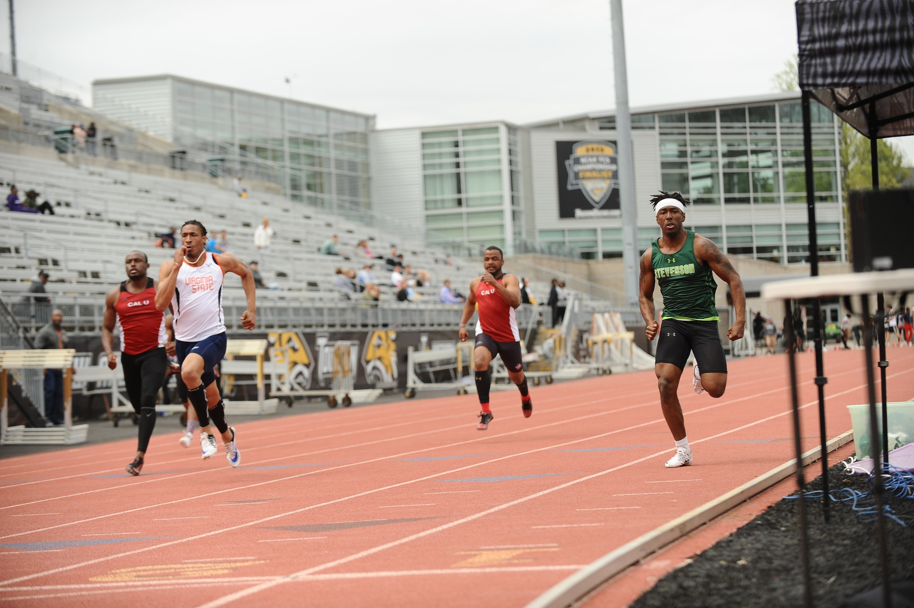 Men's Track Competes in Tuppeny Twilight Meet