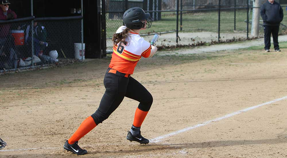 Softball gives up seventh inning lead in loss at Monmouth