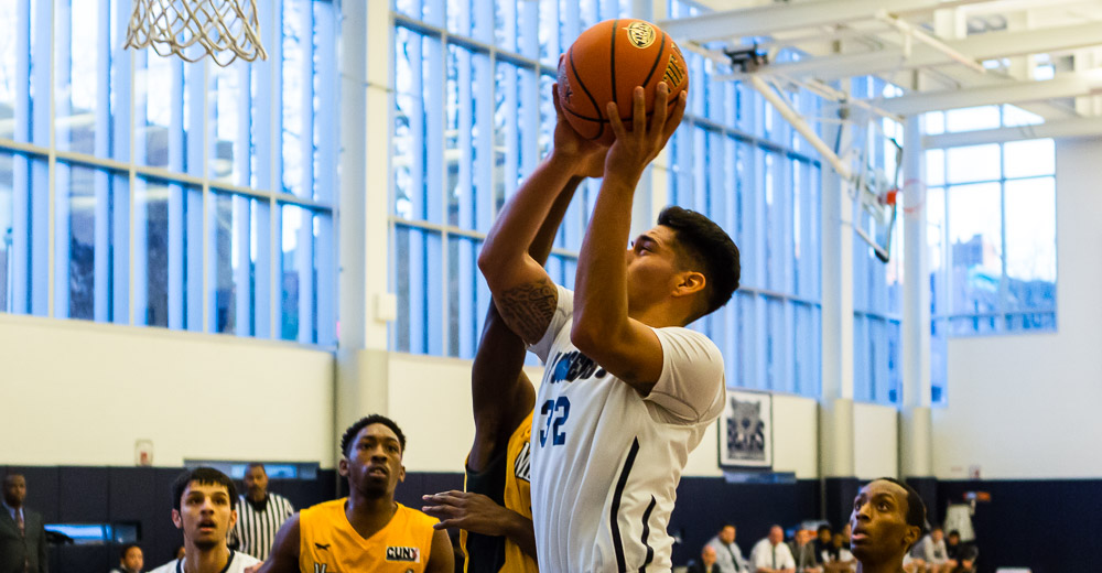 Parra Grabs SJC Record 22 Rebounds as Maritime Sails Away From Men's Basketball
