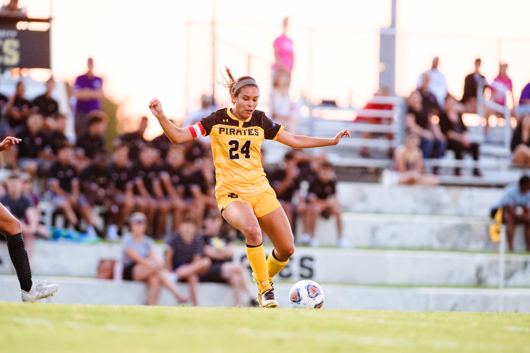 Reyna Scores Winning Goal Over St. Thomas