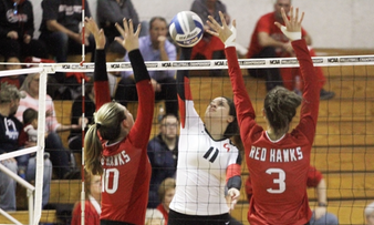 Volleyball Holds On For First NCAA Tourney Win, 3-2