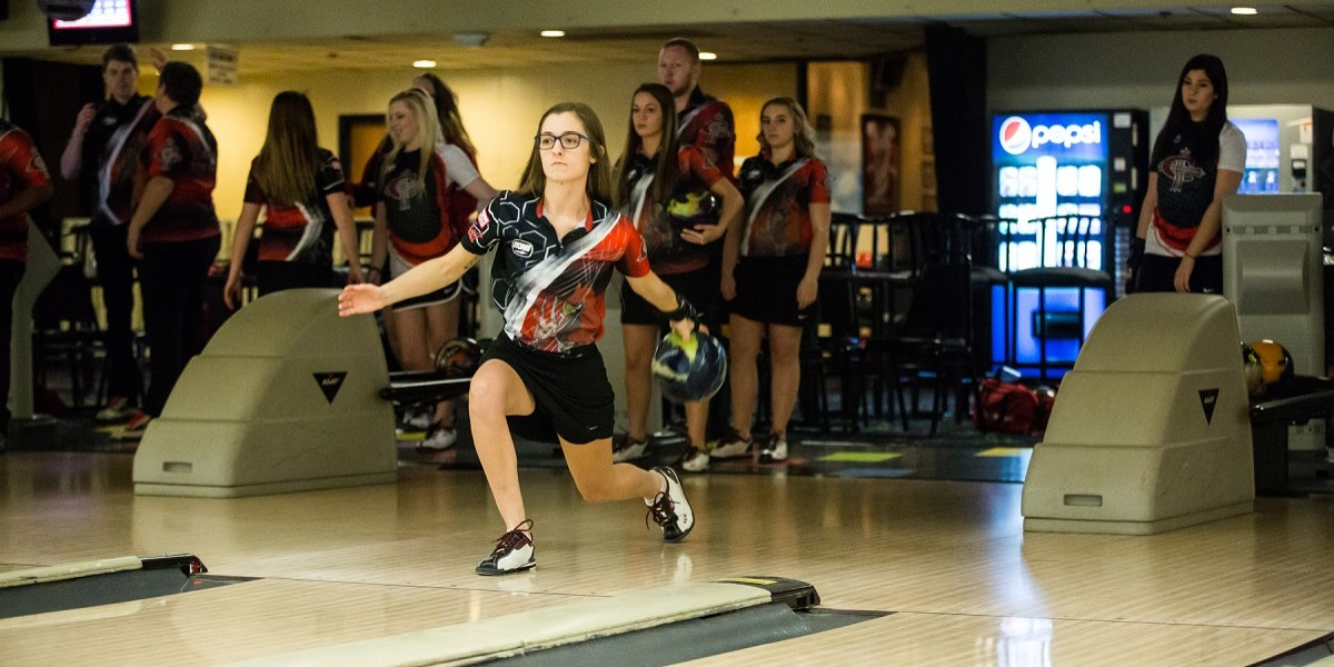 Photo for Women's bowling earn runner-up finish at BGSU Falcon Classic