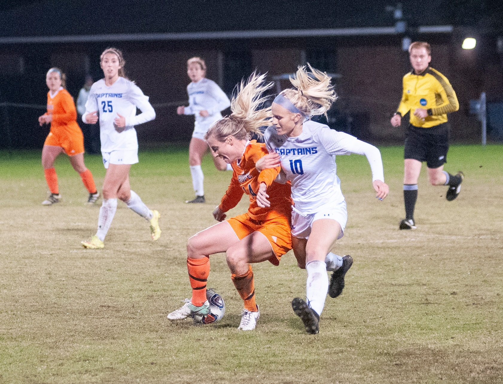 Kristen Marsman battles for a loose ball