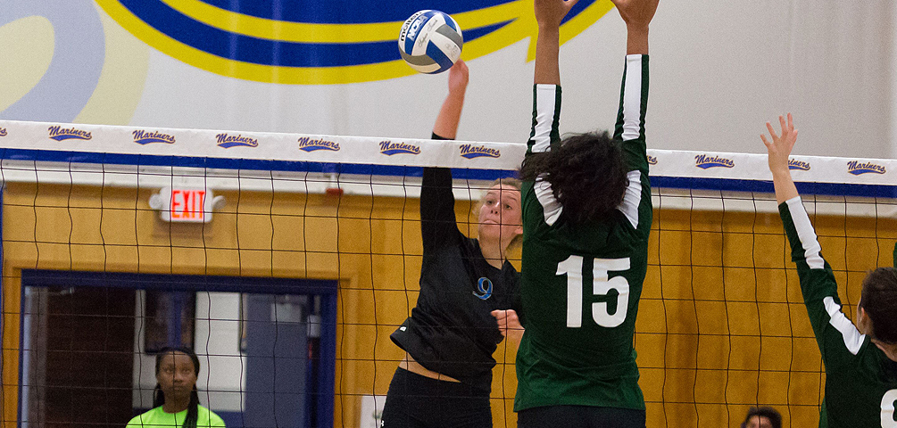 Volleyball Remains Perfect in NAC Play with Saturday Sweep