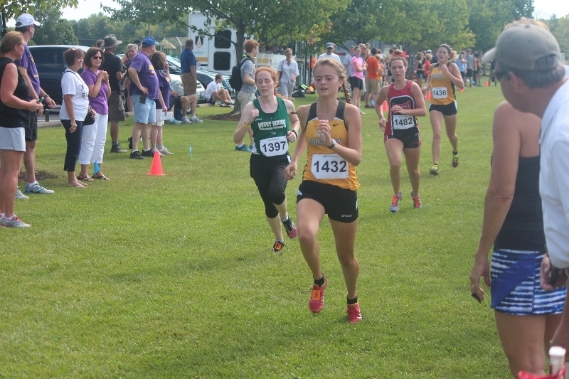 Cross Country Opens Season With Battle Of Columbus