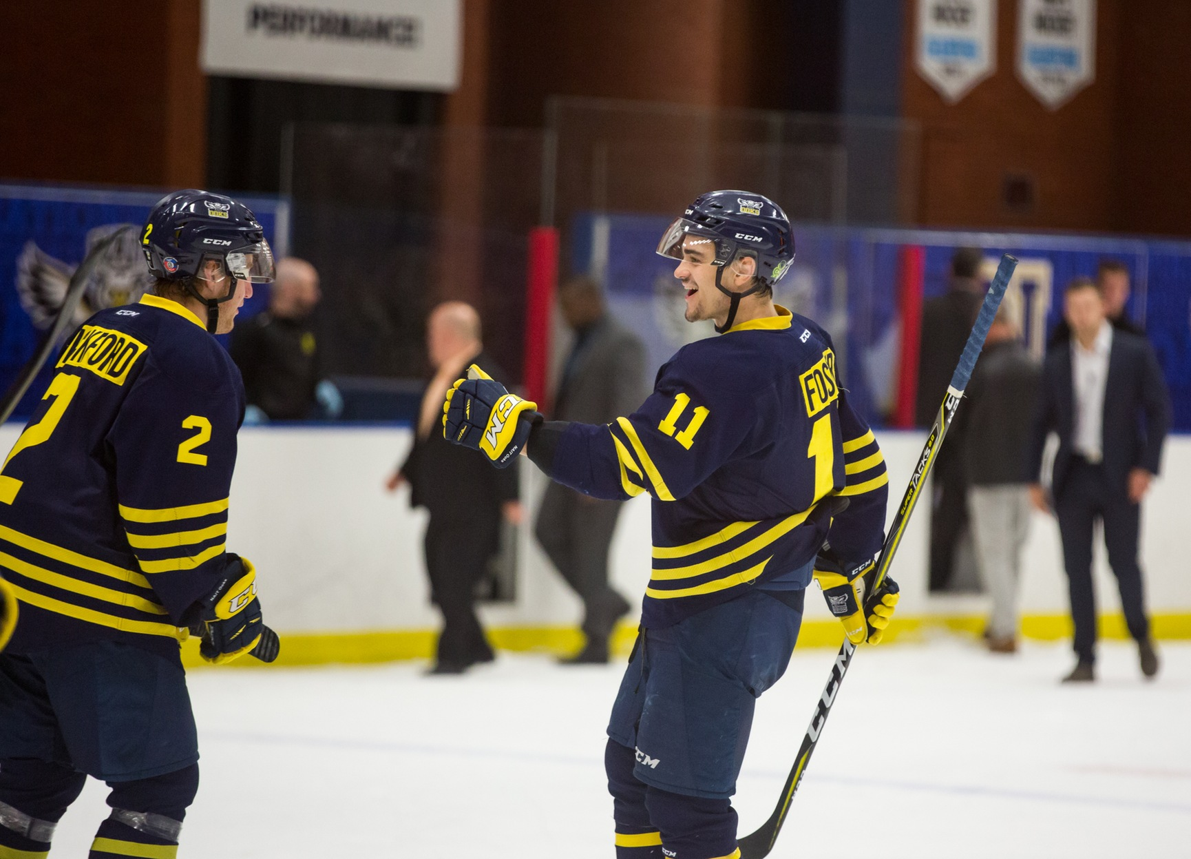 Ooks Men's Hockey Sweep Thunder