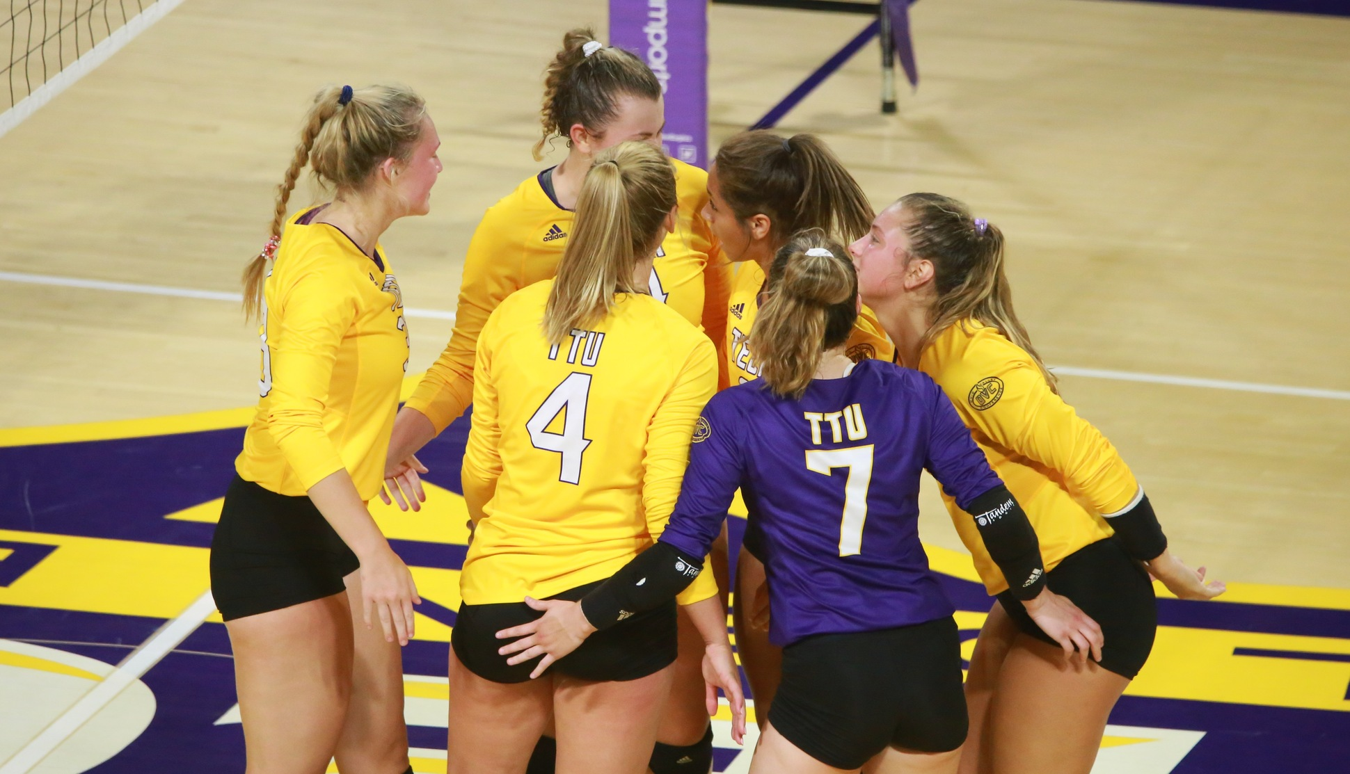 Volleyball set for Fleur de Lis Tournament in Louisville