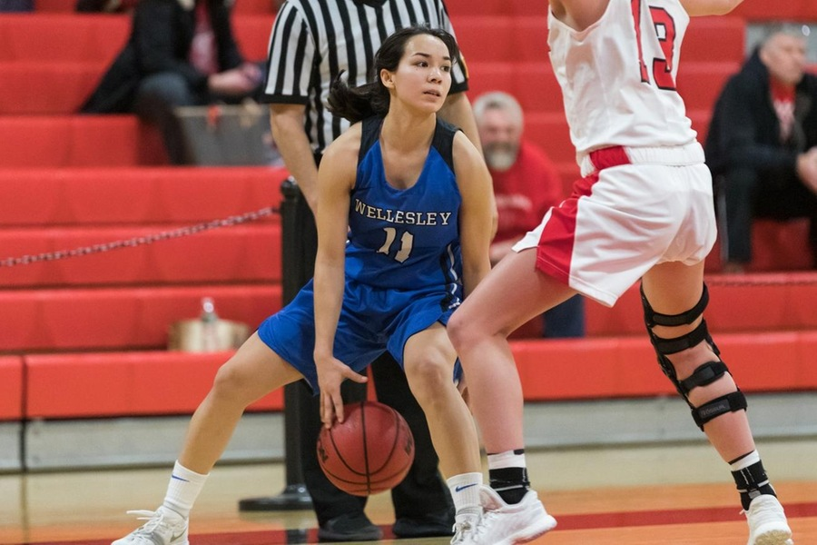 Caitlin Aguirre led all scorers with 18 points in the Wellesley win (Frank Poulin).