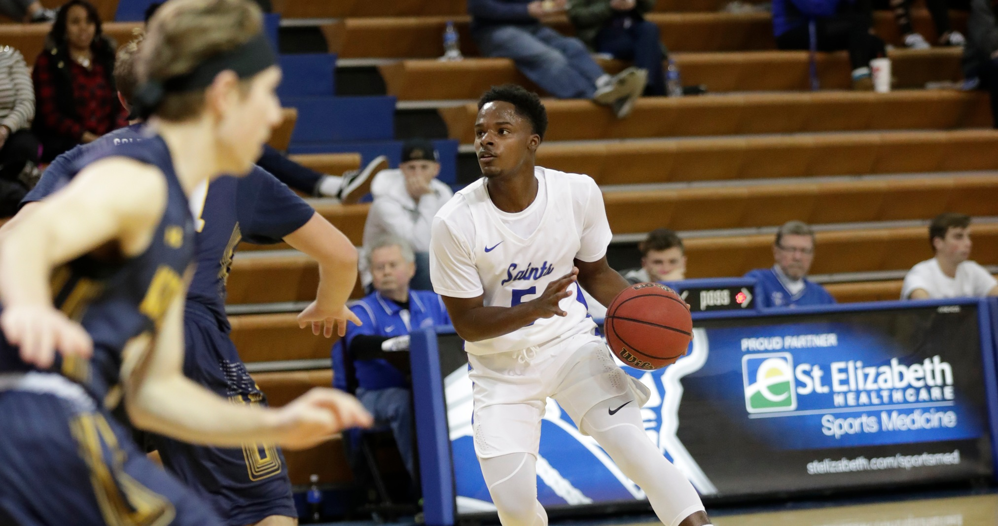 Men's Basketball Notches First Win of the Season, 91-42
