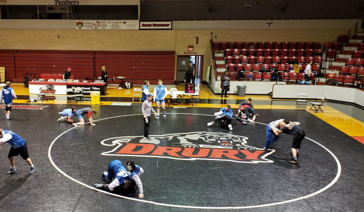 Warren Places Second at Drury Open