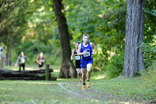 Two Runners Save Best Times for Mideast Regionals