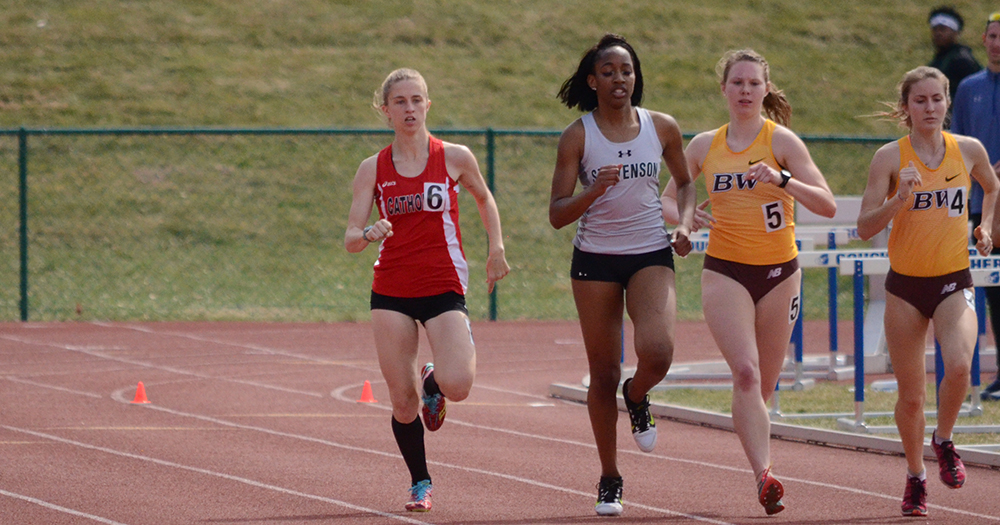 Lyons Wins 3,000 at Collegeville Classic