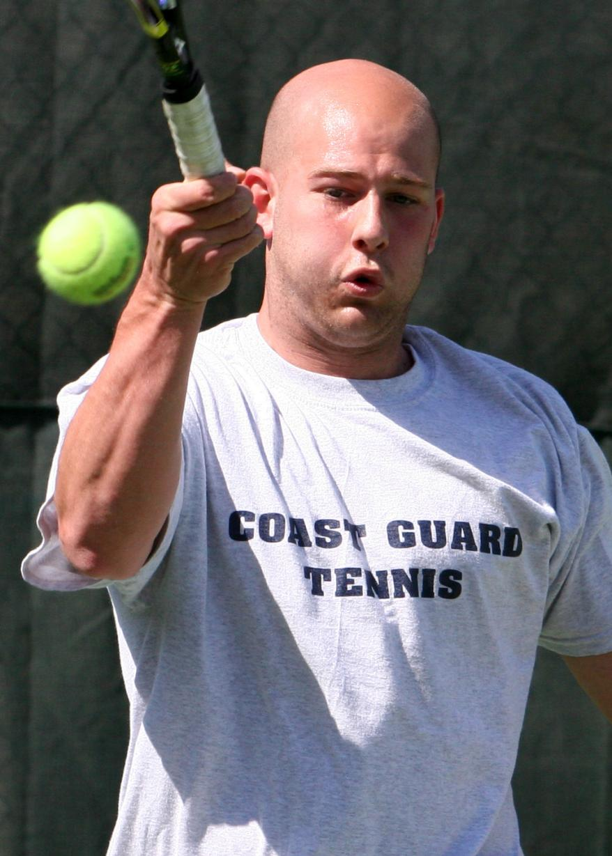 Men's Tennis Drops Pair at Wesleyan