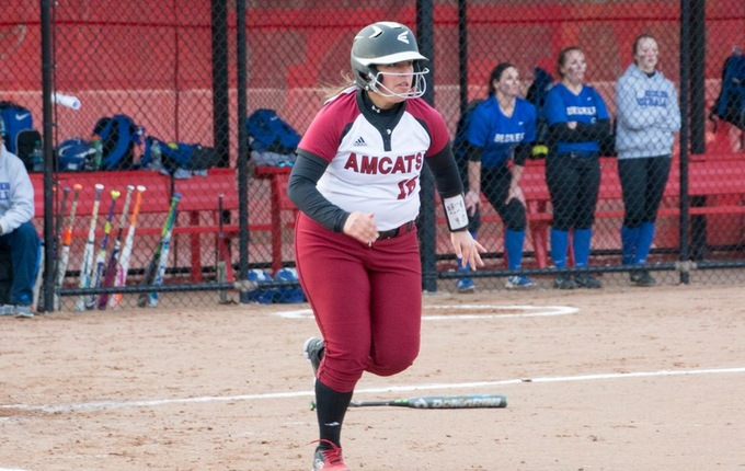 Softball Falls in GNAC Doubleheader With Falcons