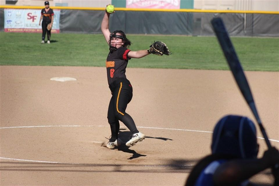 Softball Wins Second in a Row Behind Hatch