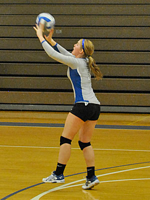 Strong Serving Gives Wildcats 3-0 Win