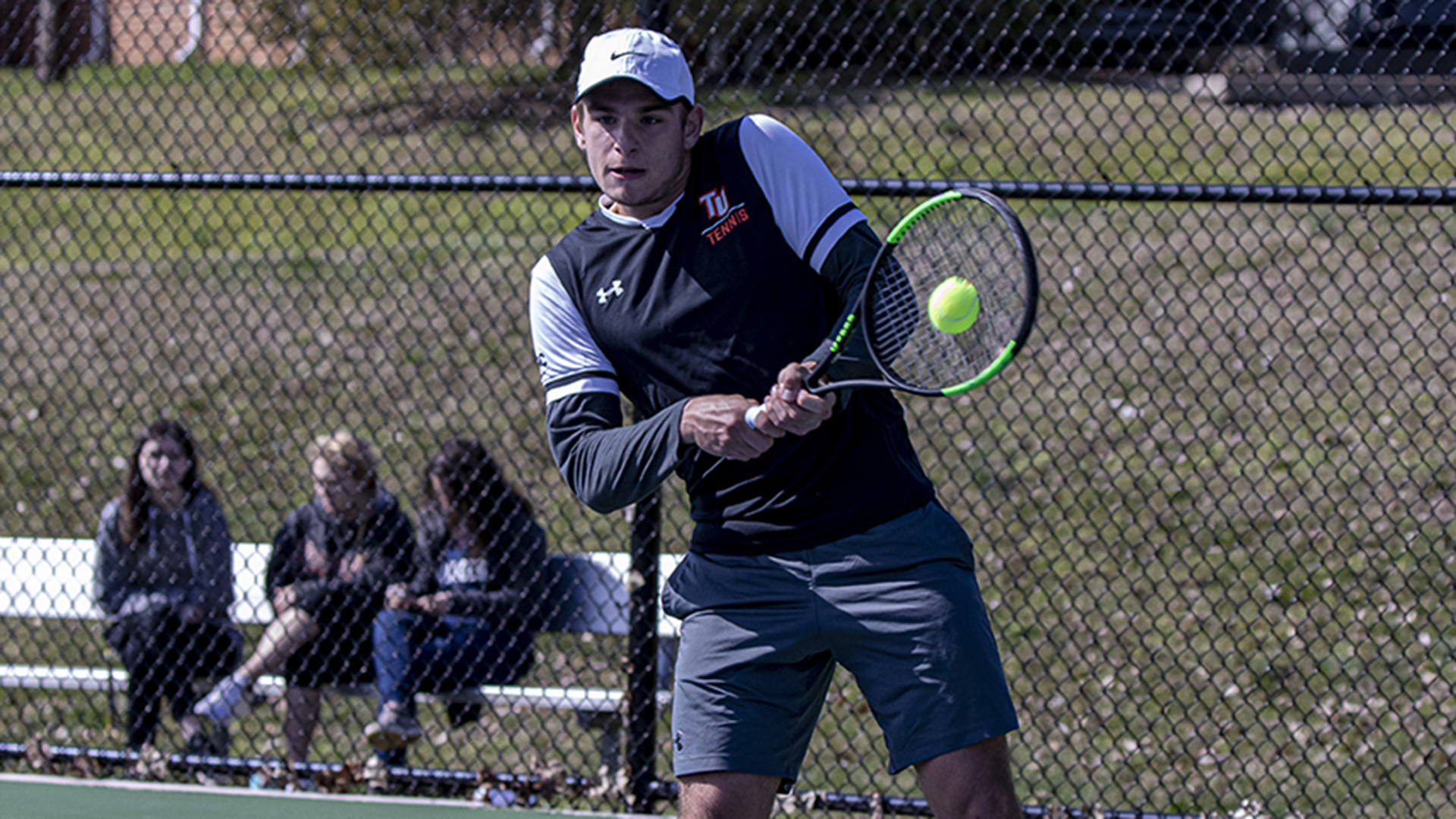 Three-set matches go to Anderson in 5-2 win over Pioneers