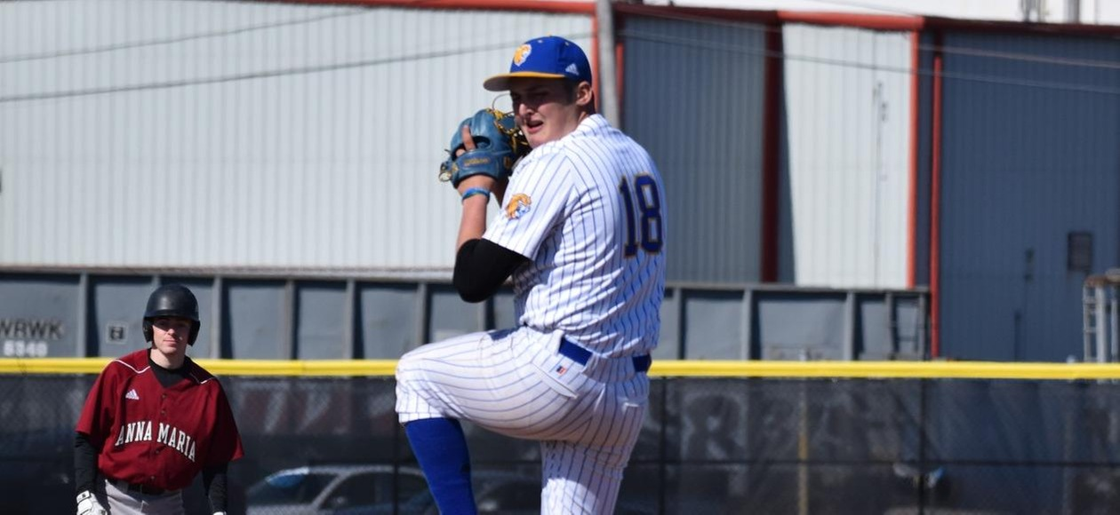 Baseball Holds on to Beat Bridgewater State 6-5