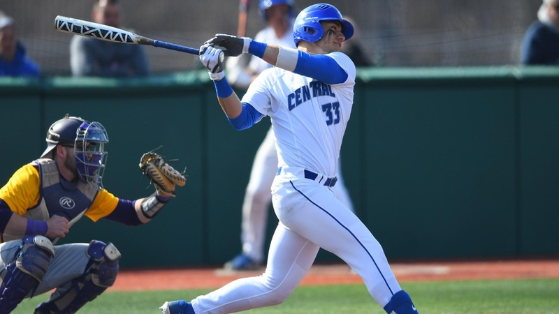 Early Deficit Sinks Baseball Against Stony Brook