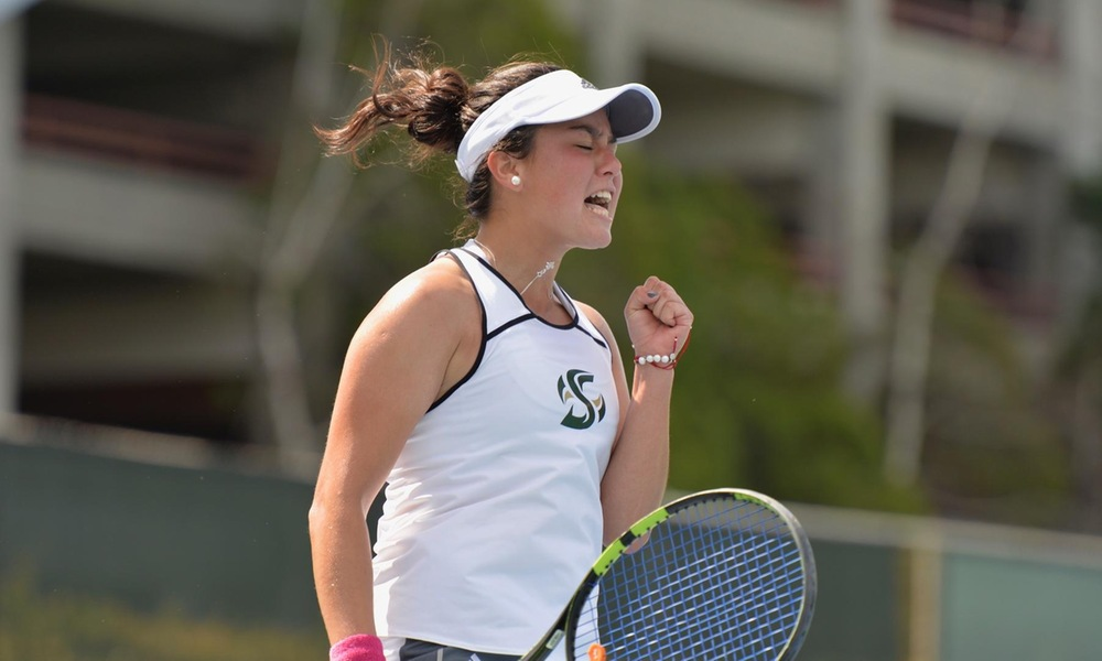 WOMEN'S TENNIS TAKES BOTH MATCHES IN FRIDAY DOUBLEHEADER
