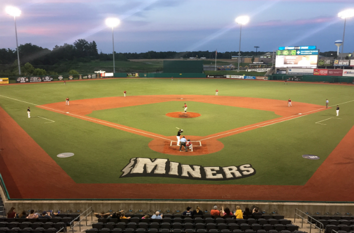 Rascals Falter Late in Loss to Miners
