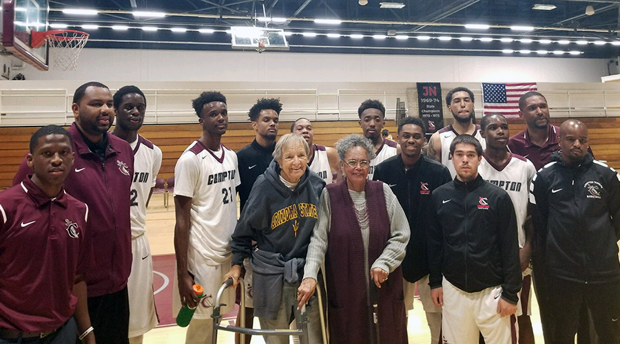 Men's Basketball Stops Seahawks on James Newman Night