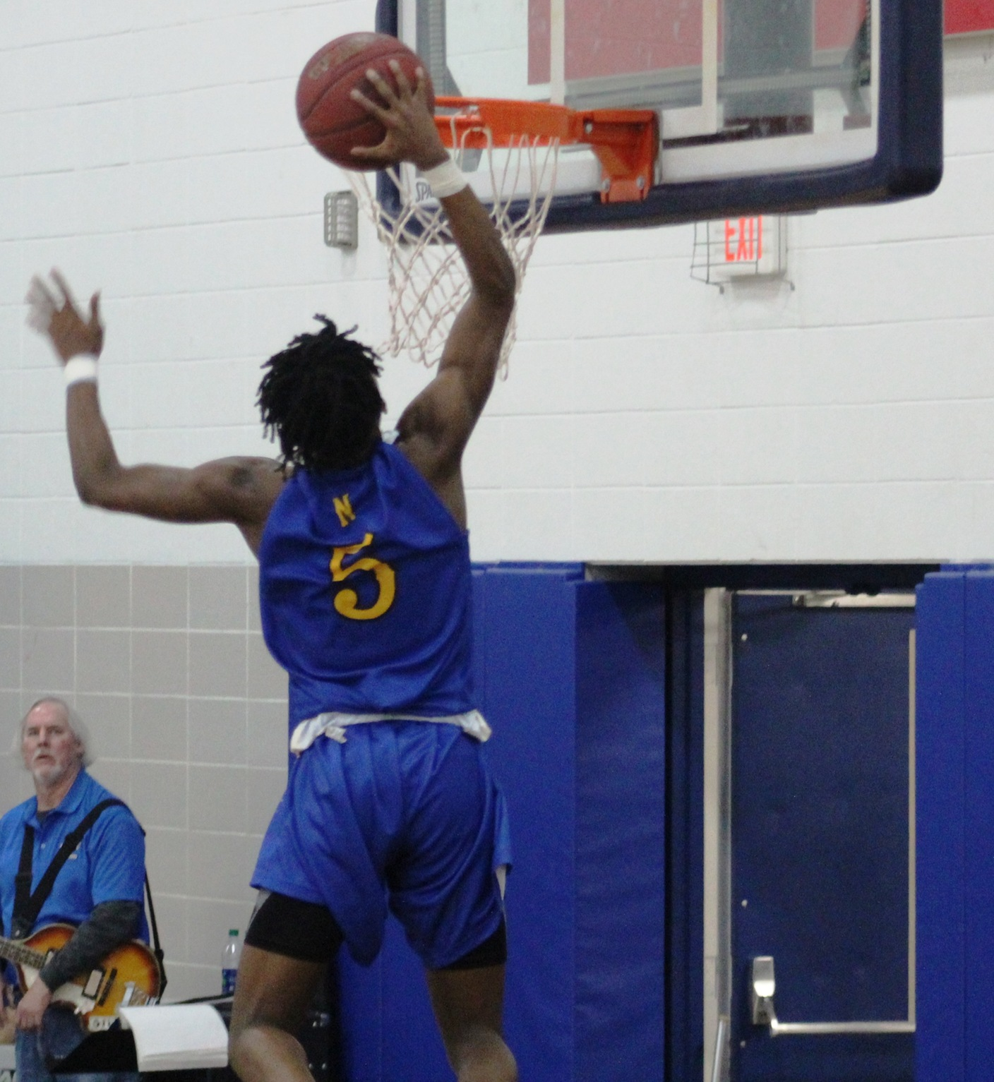 Quentin Hardrict dunks for 2 of his career-high 37 points in Wednesday's win over DMACC.