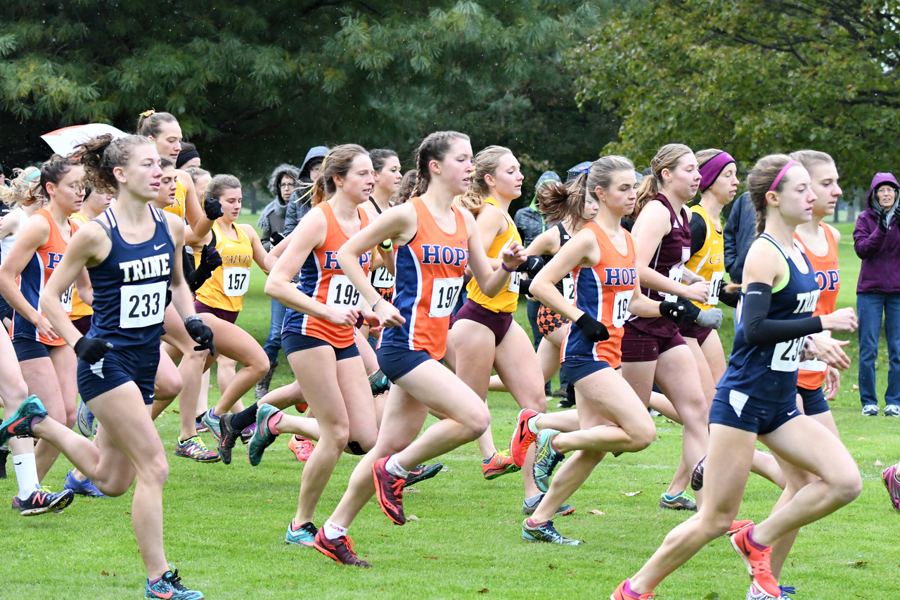 Four Hope runners race at the MIAA Championships