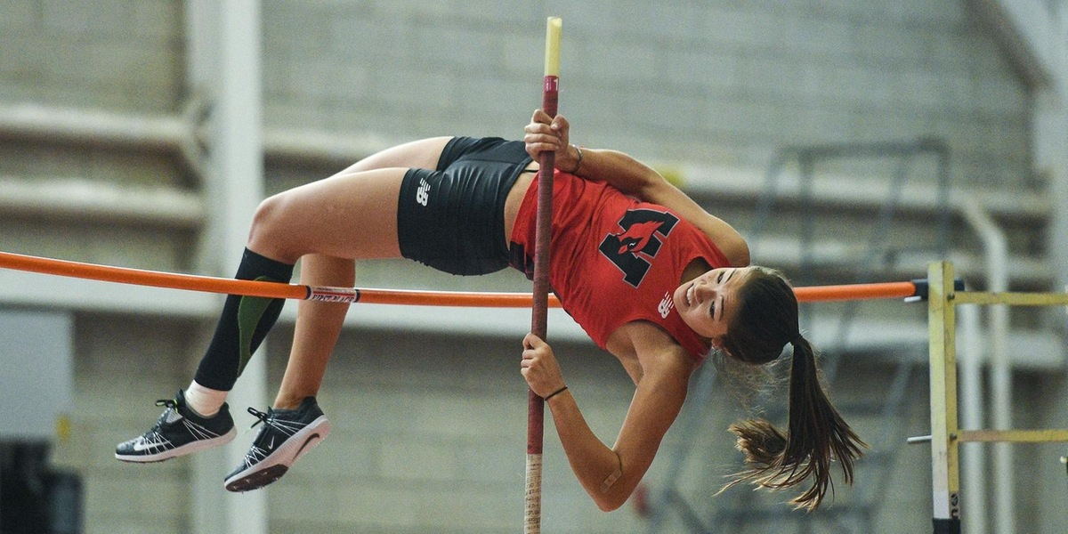 Tara Peng came in second place in the pole vault (Geoff Bolte).