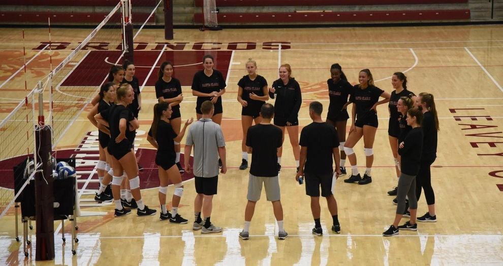 Volleyball Kicks Off Preseason Practice