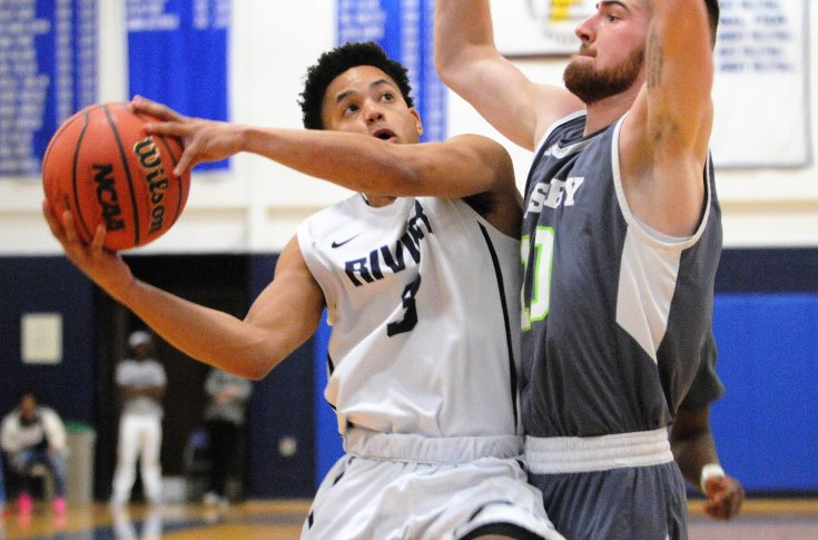 Men's Basketball: Perez nets 40 in Raiders win over Paul Smith's