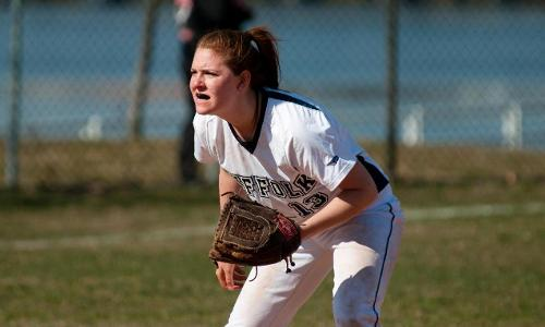 Softball Earns Split With Curry