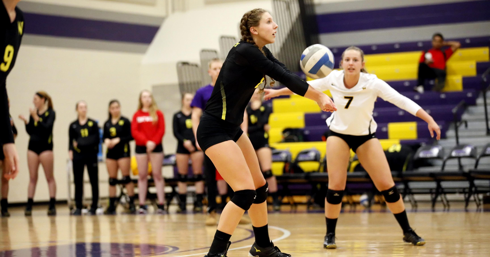 Women's Volleyball Closes Union Tournament with Two Wins; Rogoz Named to All-Tournament Team