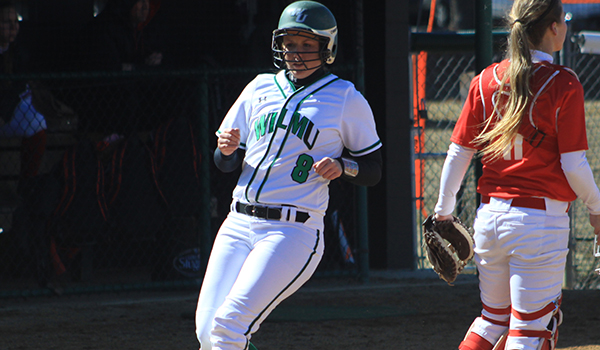 Holy Family Escapes With a Pair of 2-1 CACC Victories over Wilmington Softball
