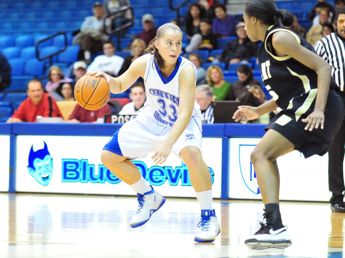 Crockett Posts Double-Double, Blue Devil Rally Falls Short in 64-61 Home Loss Versus Bryant