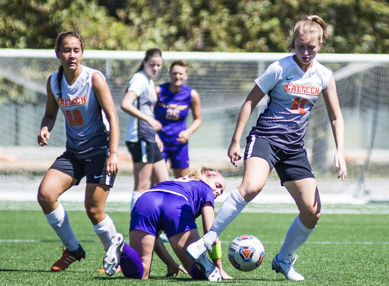 Women's Soccer Tightens, Holds Redlands in Second Half