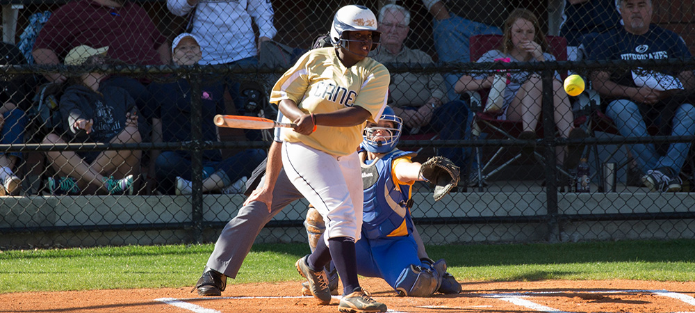 Home Runs Help Lady Hurricanes Sweep LaGrange