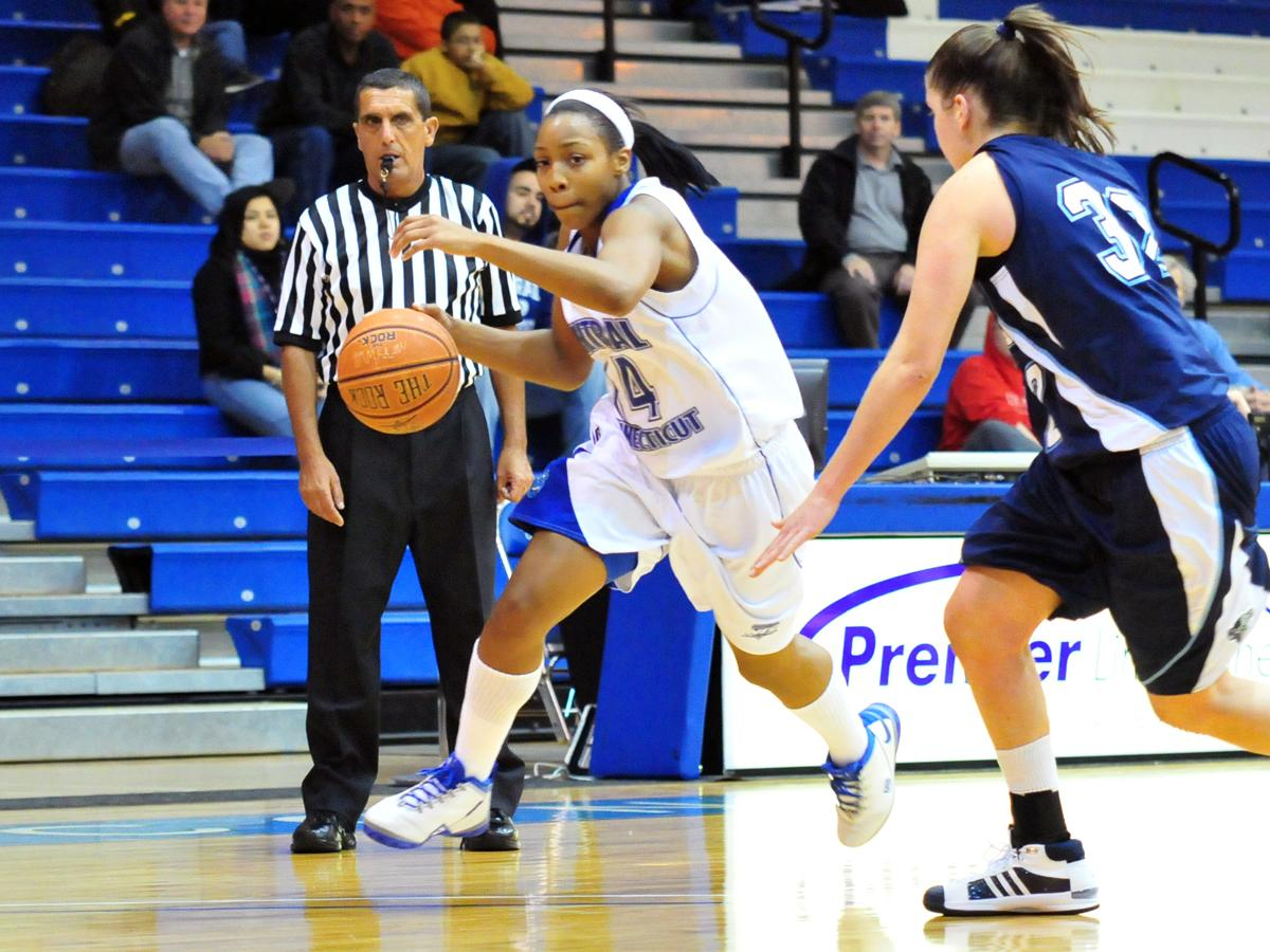 CCSU Moves to 5-0 in Northeast Conference, Oglesby Leads Blue Devils with 16 Points in 81-61 Win