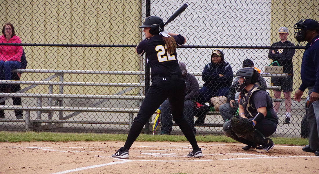 Farmer's Walk-Off Blast Lifts Softball To Split With Northwood, 13-10 Win In Game Two