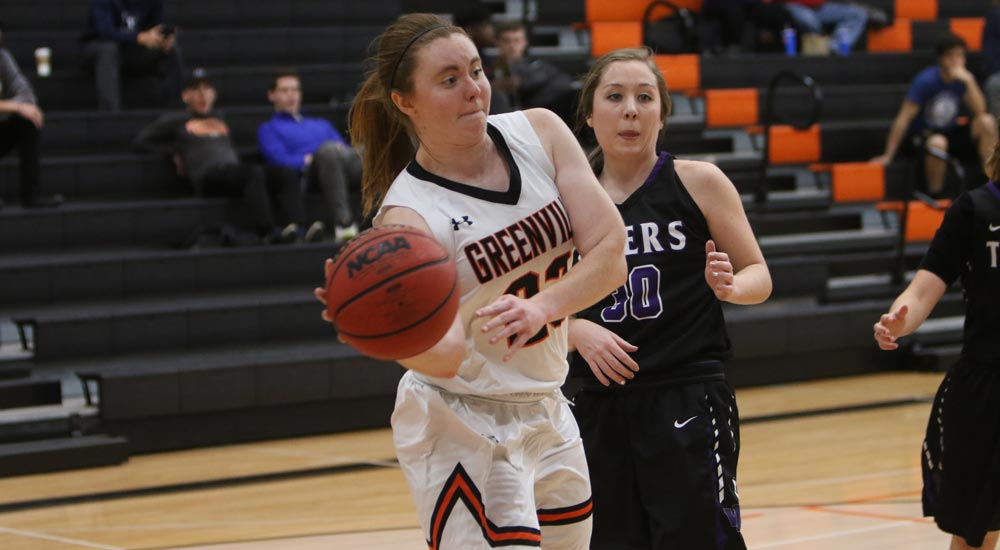 Women's basketball flies past Iowa Wesleyan