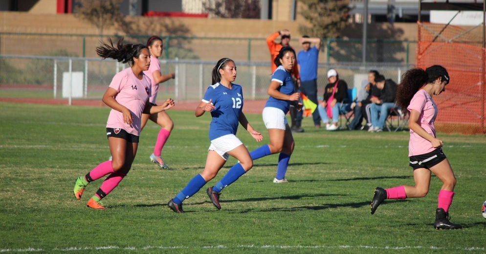 Women's Soccer Ties LA Pierce College at Home